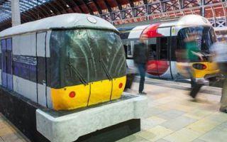 I London Underground dukket opp en kake i form av et tog