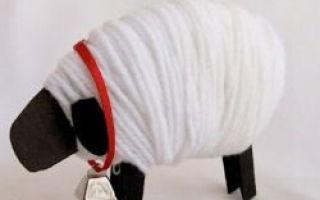 Pele de carneiro feito à mão para o Ano Novo