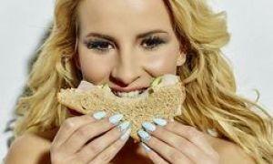 Dietetyk nazwał 5 znakami, że jesz za mało węglowodanów