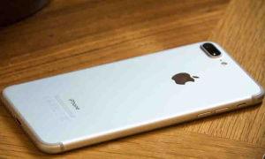 """""""Beeline"""" okamžitě snížila cenu iPhone 7 Plus na 8000 rublů na počest květnových svátků"""