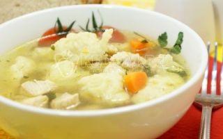 Sopa com bolinhos
